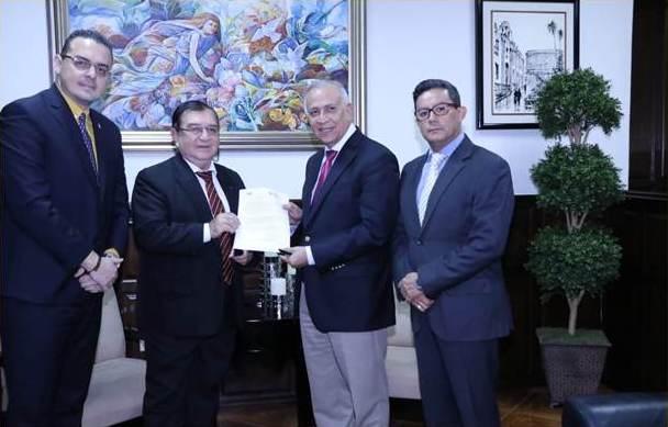 Mauricio Oliva y Unidad Politica Limpia